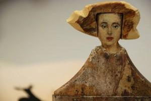 Vecchi pennelli trasformati in delicate dame: l'arte di Rebecca Szeto