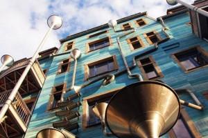 Il palazzo che suona con la pioggia. A Dresda, quando piove è musica!