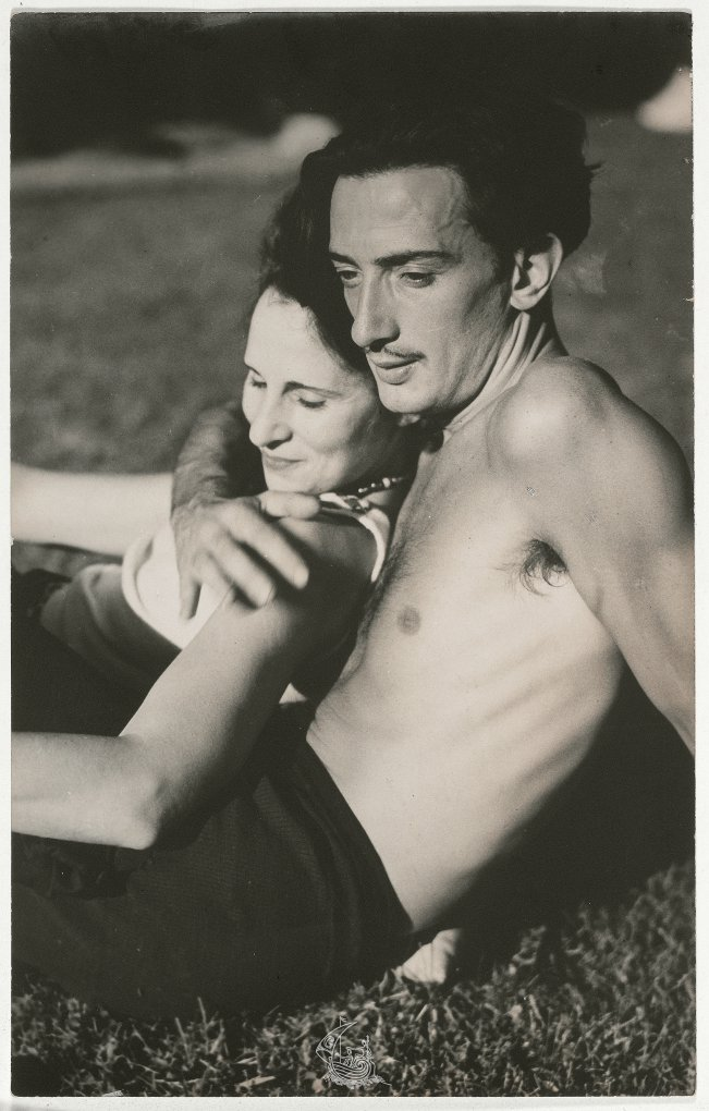 Gala-and-Salvador-Dalí-c.-1933