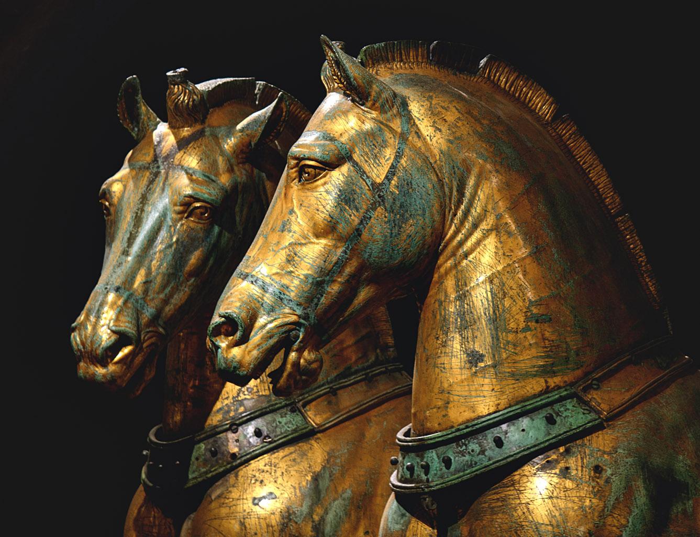 Cavalli bronzei, IV secolo, Venezia