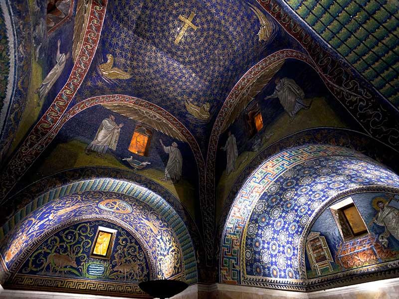 mausoleo_galla_placidia_vvoe_shutterstock