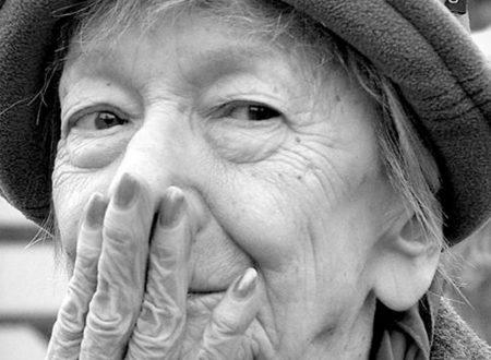 """Wisława Szymborska: """"Nulla due volte accade"""". Un meraviglioso inno alla vita"""