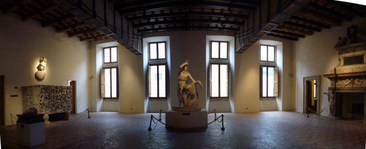 Palazzo_Altemps_-_salone_1010560-1