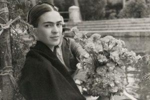 Frida Kahlo disegna e sorride. Qui il rarissimo filmato d'epoca