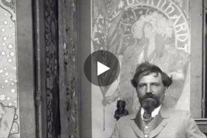 Alfons Mucha dipinge nel suo atelier! Qui il rarissimo filmato d'epoca
