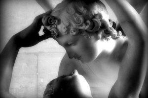 """""""Amore e Psiche"""" di Antonio Canova: storia di un grande capolavoro della scultura"""