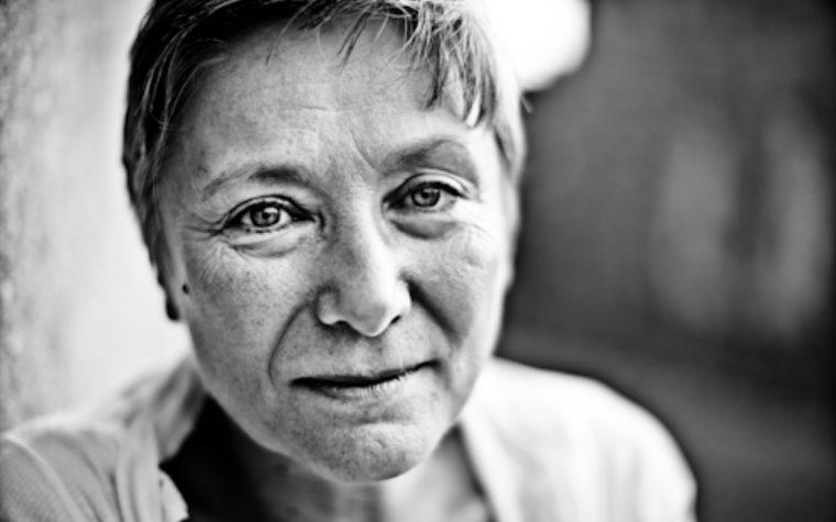 """""""Bambina mia"""": la splendida poesia di Mariangela Gualtieri"""