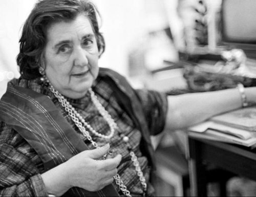 """""""Ascolta il passo breve delle cose"""": una poesia di Alda Merini"""