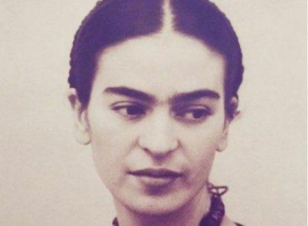 """Tutta la verità sulla poesia """"Mereces un amor"""", attribuita a Frida Kahlo"""
