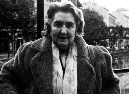 """Sorridi"": una poesia di Alda Merini"