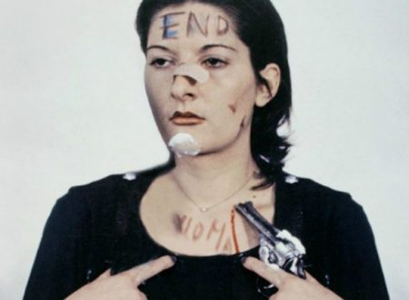 Rhythm 0: quando la performer Marina Abramović lasciò che il pubblico violasse il suo corpo