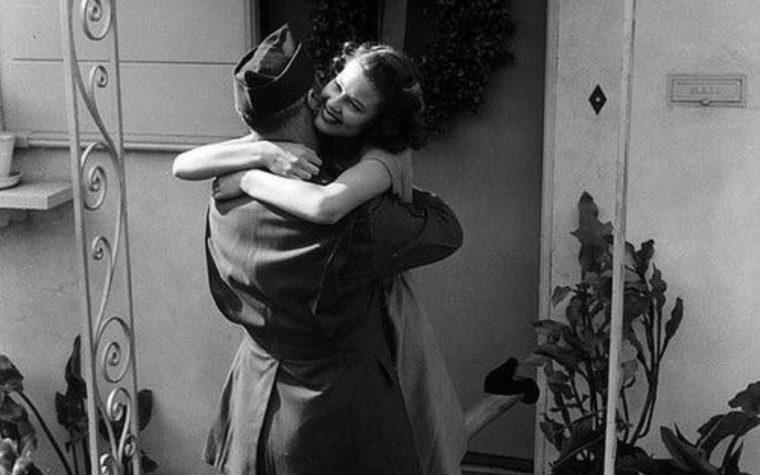 """""""Un amore al di là dell'amore: una poesia di Roberto Juarroz"""