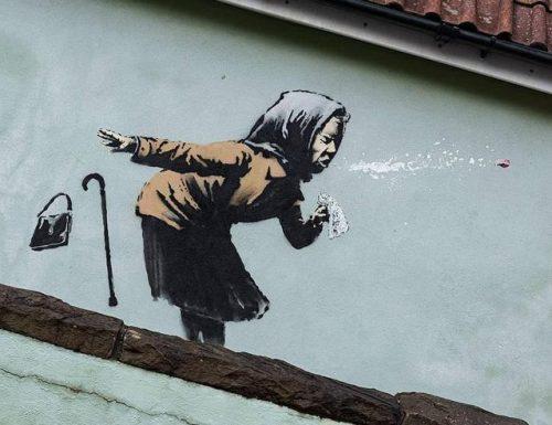 """""""Aachoo"""", l'ironico graffito di Banksy dedicato al Covid"""